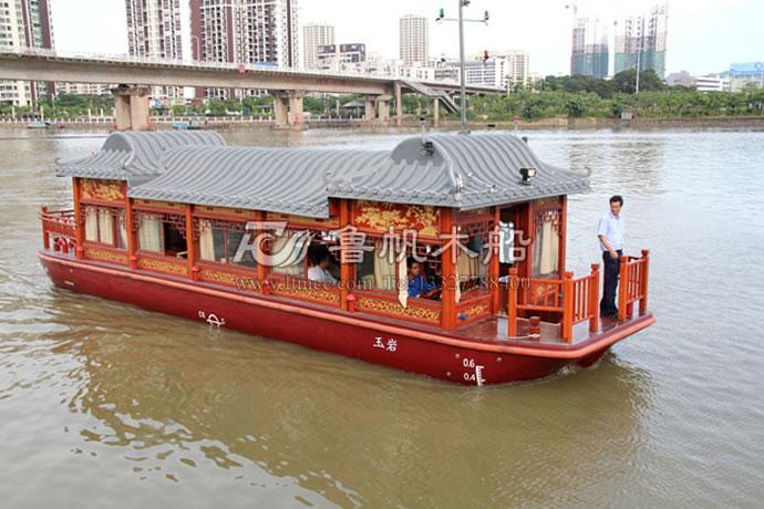木格窗画舫船